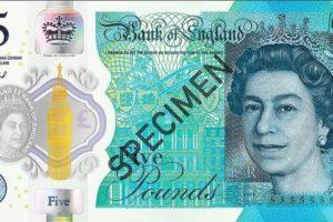 Y £5 newydd: ymlaen i'r gorffennol